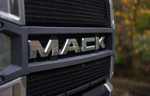 Mack Trucks - Quincy IL