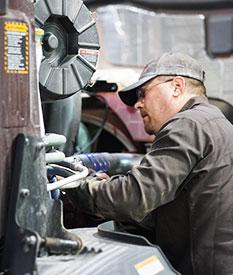 Service Technician - Mack Trucks - Quincy, IL